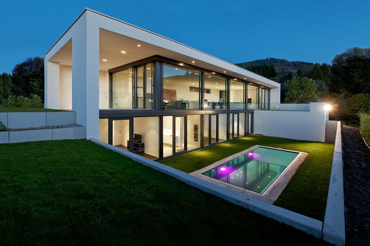 Thomas bechtold architekten b hl achern und baden baden for Einfamilienhaus architektur modern
